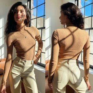 Aritzia Wilfred free darling sweater xs